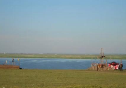 呼伦湖1.png